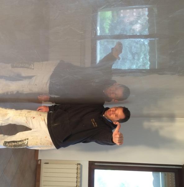 Pareti spatolate lucide in resina e stucco veneziano for Grassello di calce spatolato