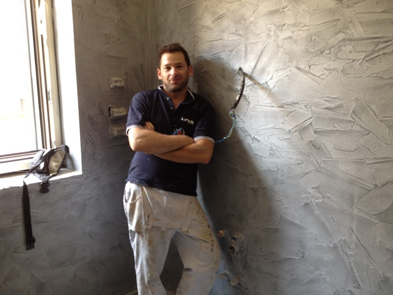 rivestimento scale in resina prezzi pareti spatolate lucide in resina e stucco veneziano