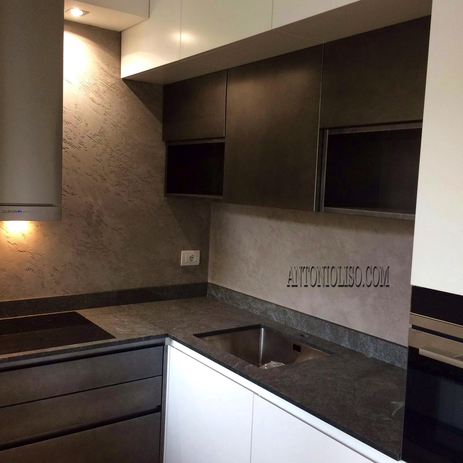 Stunning cucina senza piastrelle pictures ideas design - Cucina senza piastrelle ...