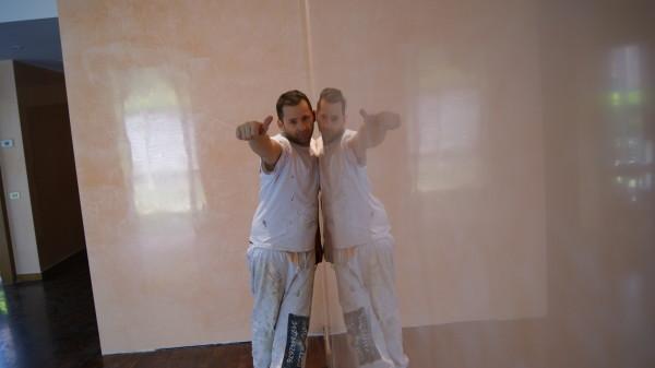 Stucco veneziano moderno effetto specchio for Grassello di calce spatolato
