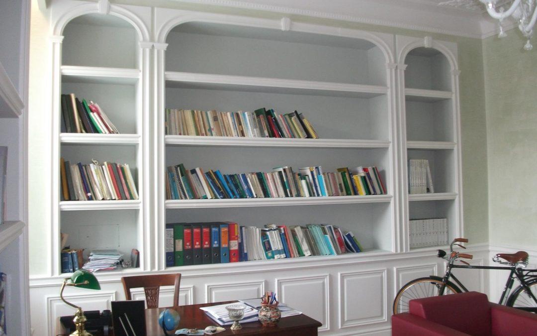 Libreria in cartongesso per il soggiorno preventivo.